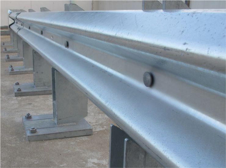 road-crash-barrier-fasteners-manufacturer